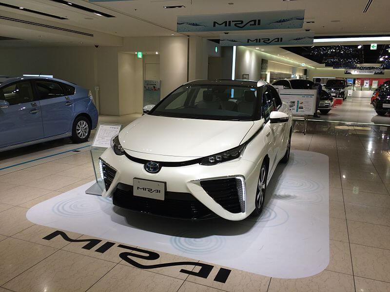 トヨタ・MIRAI