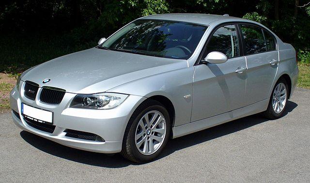 BMW・E90