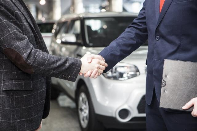 車の交渉中