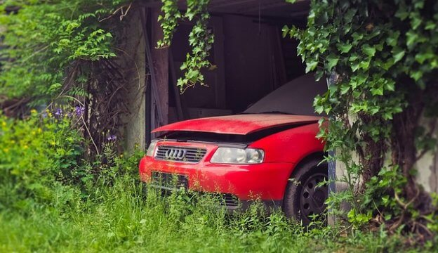 放置された車