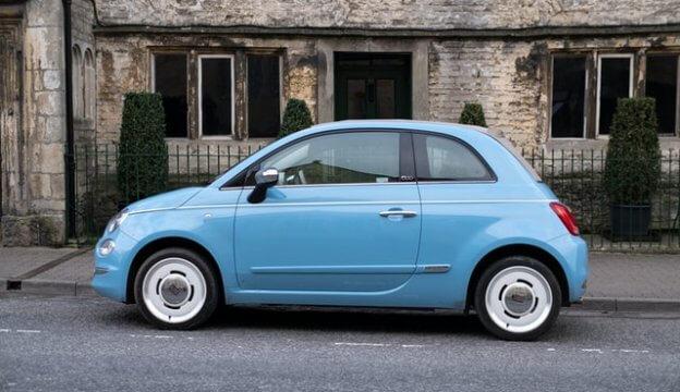 古い青の車
