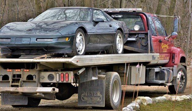 廃車のレッカー